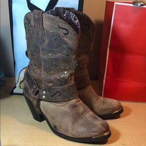 DINGO leather cowboy western stud short boots